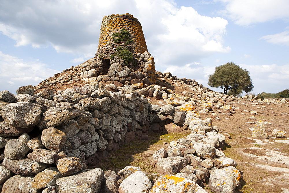 Nuraghe Nuraddeo, Suni, Sardinia, Italy, Europe - 739-1311