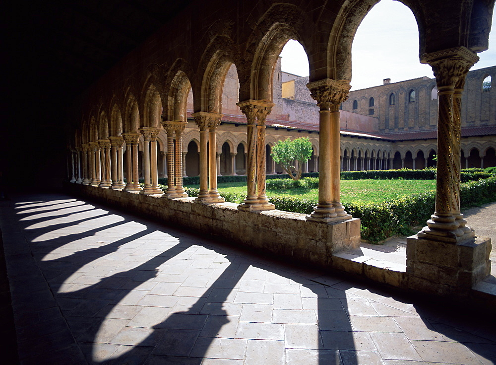 Sunlight and shadows, cloisters, Monreale, Palermo, Sicily, Italy, Mediterranean, Europe - 739-403