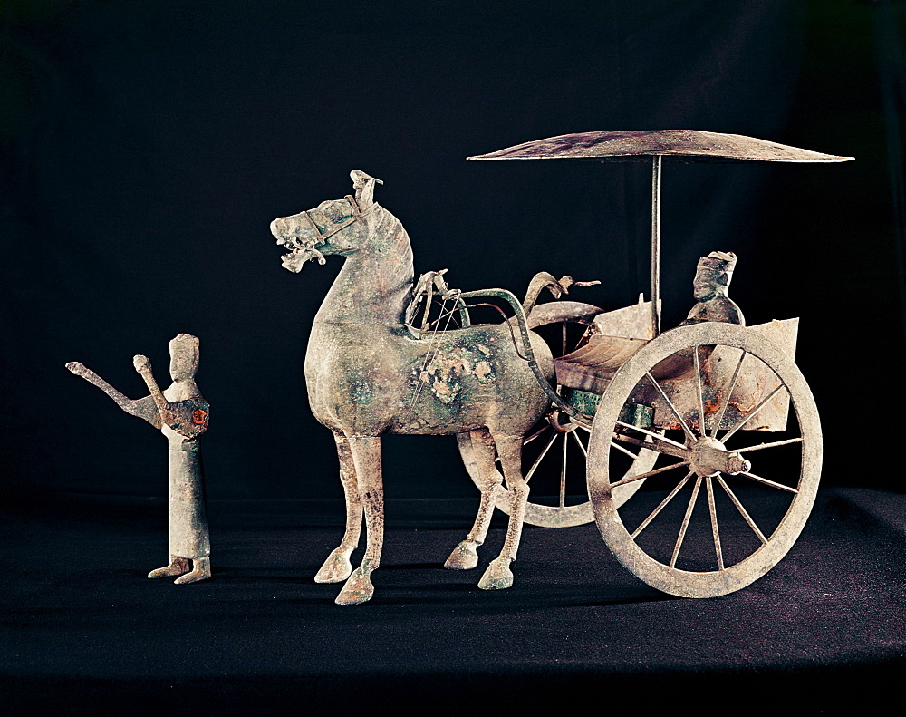 Bronze model of horse carriage, dating from the 2nd century AD, Eastern Han Dynasty, China, Asia - 74-196