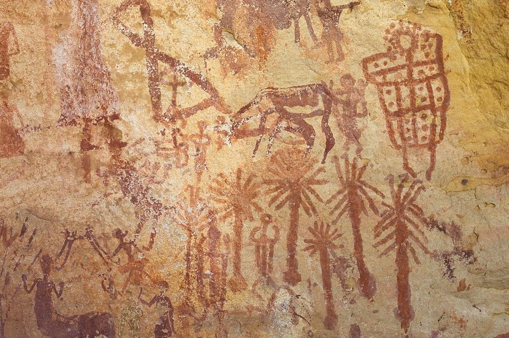 Prehistoric rock paintings, Wadi Teshuinat, Akakus, Sahara desert, Fezzan, Libya, North Africa, Africa