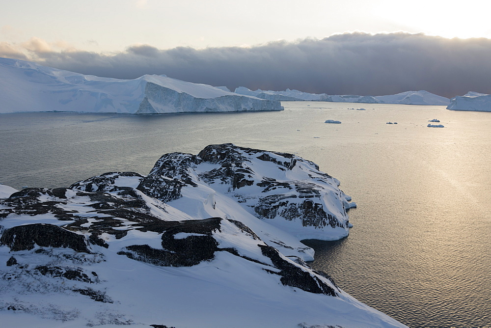 A view of Ilulissat icefjord, UNESCO World Heritage Site, Greenland, Denmark, Polar Regions