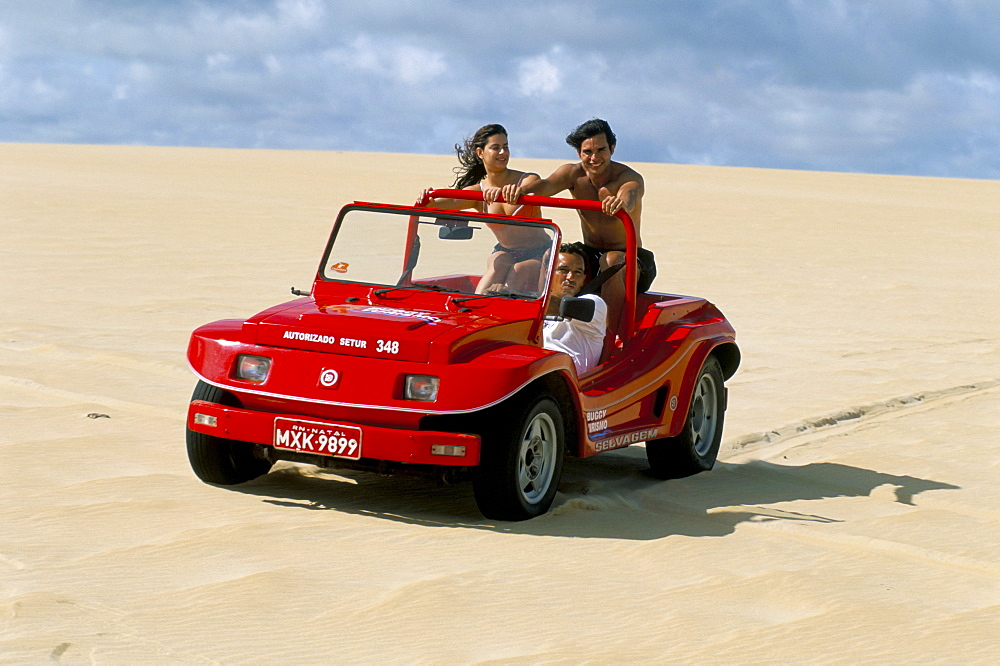 Dune buggy on sand dunes, Genipabu (Natal), Rio Grande do Norte state, Brazil, South America - 741-524