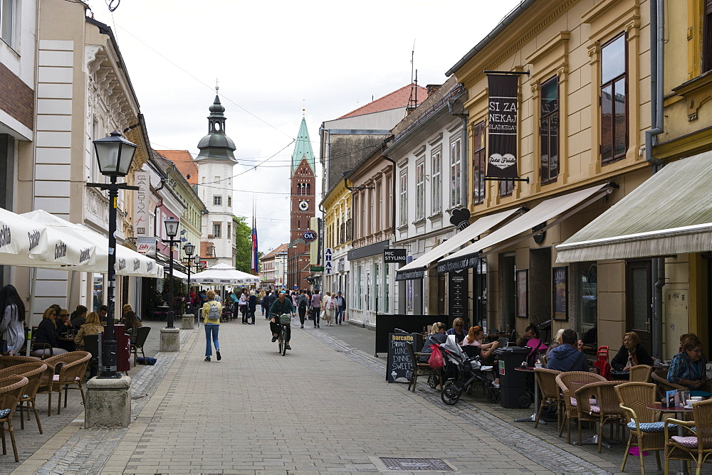 Slovenska street in the old town, Maribor, Slovenia, Europe