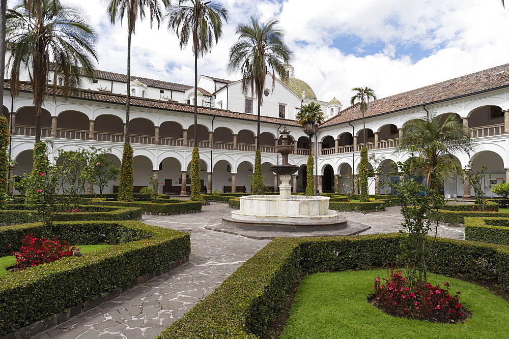 The Monastery of San Francisco, Ecuador's oldest church, founded in 1534, UNESCO World Heritage Site, Quito, Ecuador, South America - 741-5636