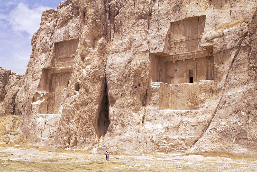 Tombs of Darius II and Artaxerxes (left to right), Naqsh e Rustam (Naqsh-i-Rustem), Iran, Middle East