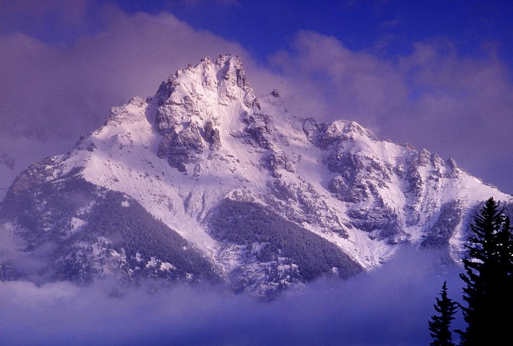 Snowy Mountain, Alaska, United States of America, North America - 745-102