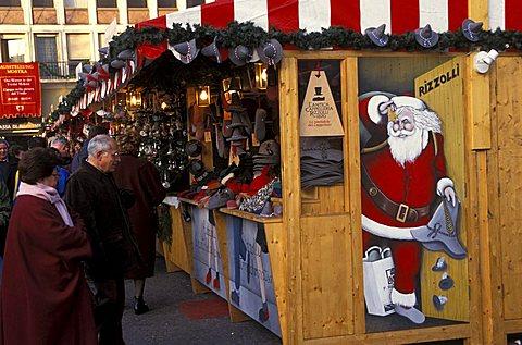 Christkindlmarkt, Christmas local market in Walter square, Bolzano, Trentino Alto Adige, Italy.