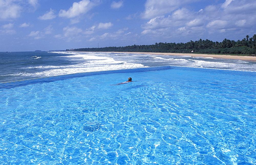 Swimming pool on the ocean, Amanwella Hotel, Tongalle, Sri Lanka, Asia