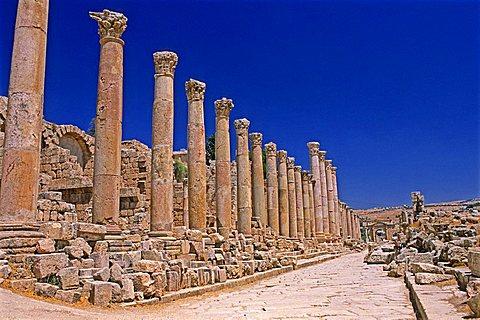 Cardo Maximus ruins, Jerash, Jordan, Middle East