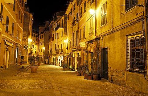 Foreshortening, Vernazza, Ligury, Italy