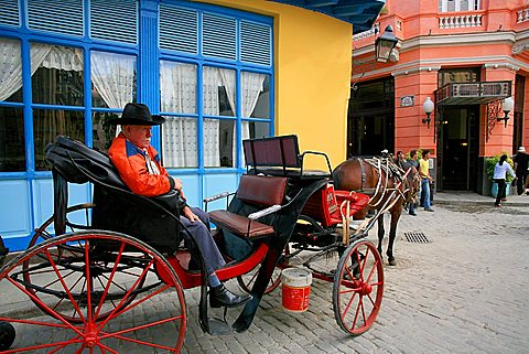 Carriage, Ambos Mundos hotel, Havana, Cuba, West Indies, Central America