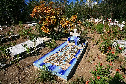 Cemetery along the coast, South Coast, Playa Las Coloradas, Cuba, West Indies, Central America