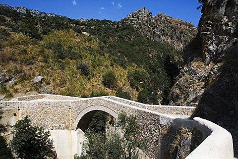 Ponte del Diavolo bridge on Raganello torrent, Civita, Pollino national park, Calabria, Italy, Europe