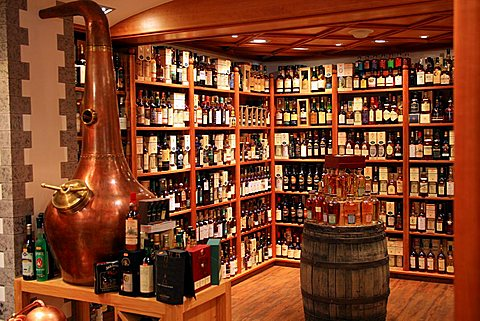 Wine shop, Samnaun, Bassa Engadina, Switzerland, Europe