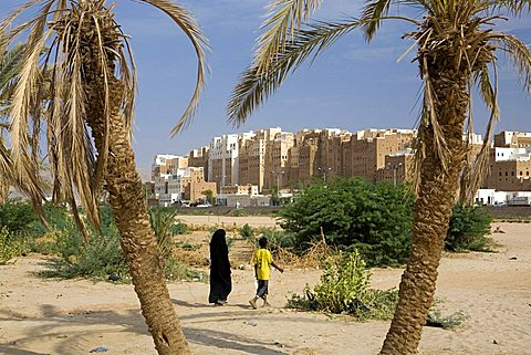 Old city built with mud bricks, Shibam, Yemen, Middle East