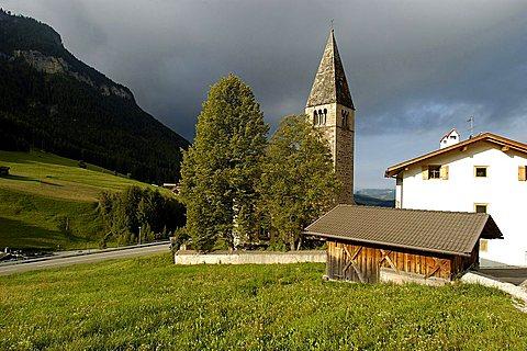 Chiesa di San Michele, Alpe di Siusi, altipiano dello Sciliar, Alto Adige, Italy