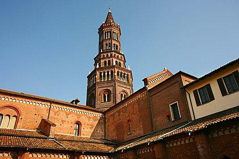 Cloister, Abbazia di Chiaravalle abbey, Chiaravalle Milanese, Lombardy, Italy, Europe