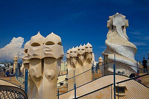 Chimney roof, La Pedrera (Casa Milà) of Antoni Gaudì, Passeig de Gràcia, Barcelona, Spain, Europe