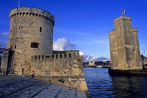 Harbour with Tour Saint Nicolas and Tour de la Chaine, La Rochelle, France, Europe