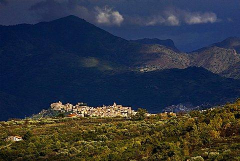 Landscape, Castiglione di Sicilia village, Catania, Sicily, Italy, Europe