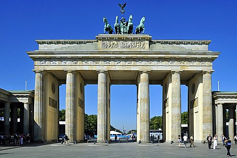 Brandenburg Gate, Pariser Platz, Berlin, Germany, Europe