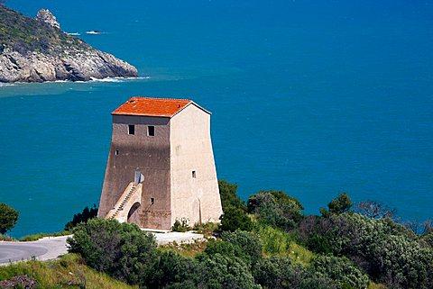 San Felice tower, San Felice Bay, coast between Mattinata and Vieste, Gargano Promontory, Gargano National Park, Puglia, Italy