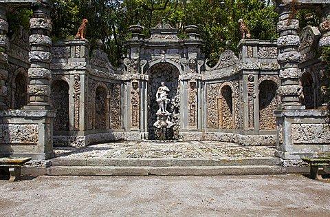 Leda and the Swan statue, Lemon Gardeg, Villa Marlia, Capannori, Tuscany, Italy