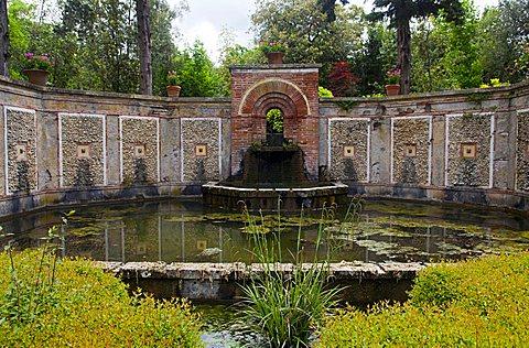 Pound, Spanish garden, Villa Marlia, Capannori, Tuscany, Italy