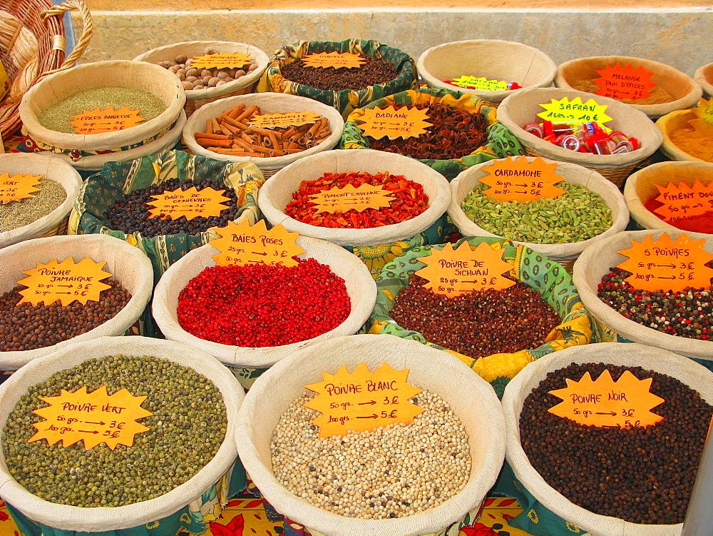 Spice, provenvæal food market, Apt, Provence-Alpes-C¬?te d'Azur, France, Europe - 746-76706