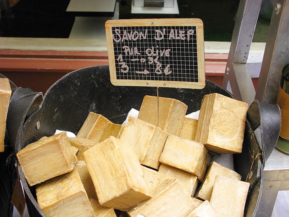 Aleppo olive oil soap, Provenvæal market, Apt, Provence-Alpes-C¬?te d'Azur, France, Europe