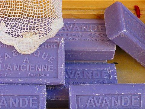 Lavande soap, Provenvæal market, Apt, Provence-Alpes-C¬?te d'Azur, France, Europe