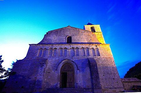Romanesque church of Notre Dame de Pitie, Saignon, Vaucluse department, Provence-Alpes-C¬?te d'Azur, France, Europe