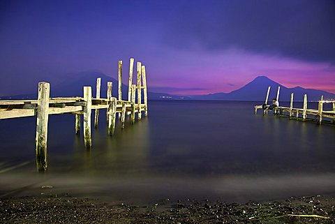 Lake Atitlan, volcan Atitlvìn, volcan San Pedro, Panajachel, Sololvì, Guatemala, America