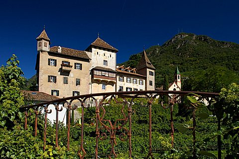 View of historic palace near Prati del Talvera, Bolzano, Trentino Alto Adige, Italy, Europe