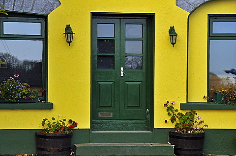 Houses, Kinvarra, West Coast, County Galway, Republic of Ireland, Europe