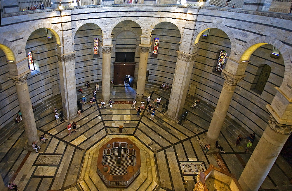 Pisa Baptistry interior, Pisa, Tuscany, Italy, Europe