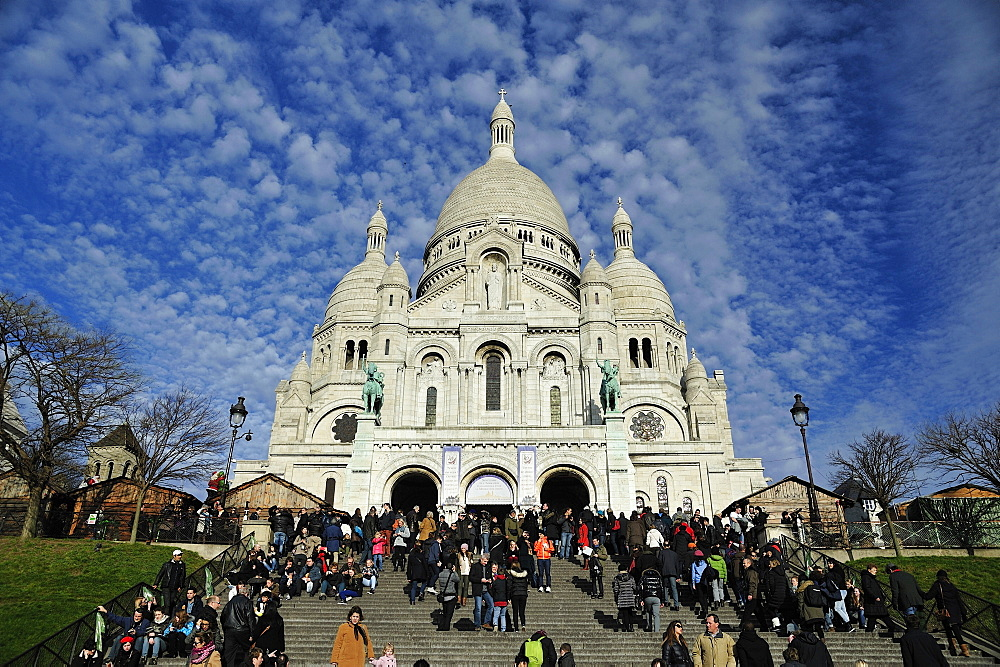 Sacre Coeur (Sacred Heart) Basilica , Montmartre, Paris, France, Europe