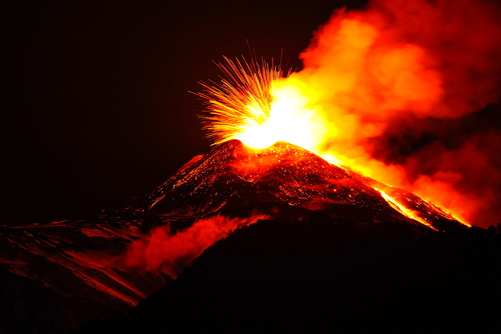 Eruption of Etna volcano, UNESCO, World Heritage Site, Sicily, Italy, Europe