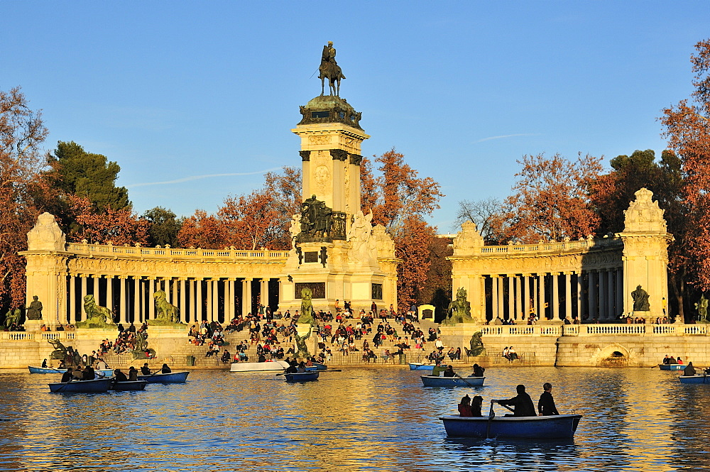 Monument to Alfonso XII, Buen Retiro Park, Madrid, Spain, Europe