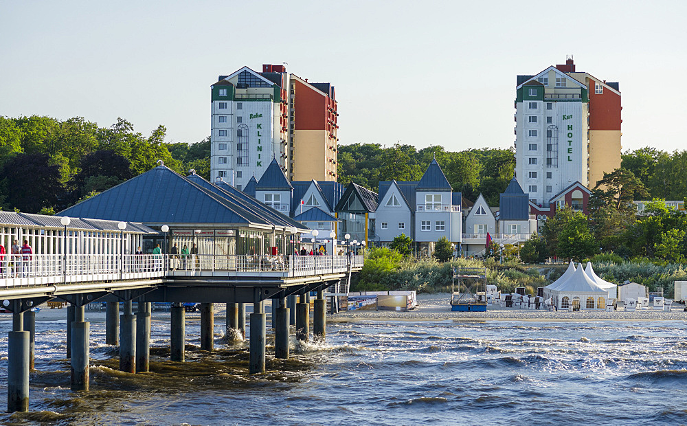 Contemporary architecture at the Pier. German resort architecture (Baederarchitektur) in the seaside resort Heringsdorf on the island of Usedom.  Europe,Germany, Mecklenburg-Western Pomerania, Usedom, June