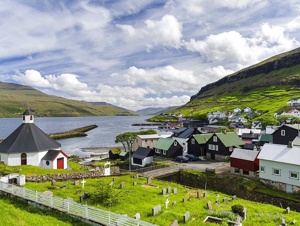 Village Haldarsvik am Sundini, Eysturoy in the background, North Atlantic,  Europe, Northern Europe, Denmark, Faroe Islands