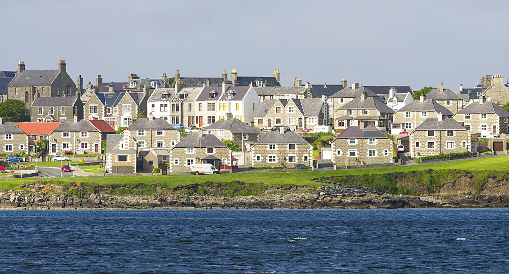 Lerwick, the capital of the Shetland Islands in the far north of Scotland.  View over Brei Wick. Europe, northern europe, great britain, scotland, Shetland Islands, June - 746-88220