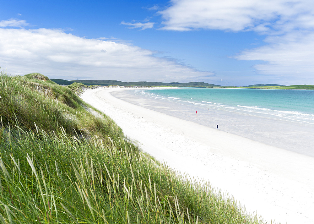 Landscape on the island of  North Uist (Uibhist a Tuath) in the Outer Hebrides. Sandy beach with dunes near Solas. Europe, Scotland, June
