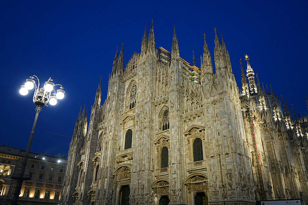 Piazza del Duomo with Milan Cathedral in the evening, Milan, Lombardy, Italy