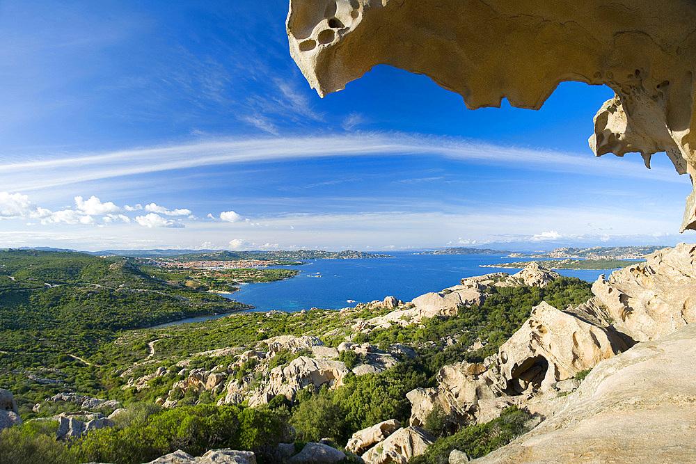 Palau, the granite Bear Rock dominates Palau, Bocche di Bonifacio, La Maddalena Archipelago, Sardinia, Italy, Europe