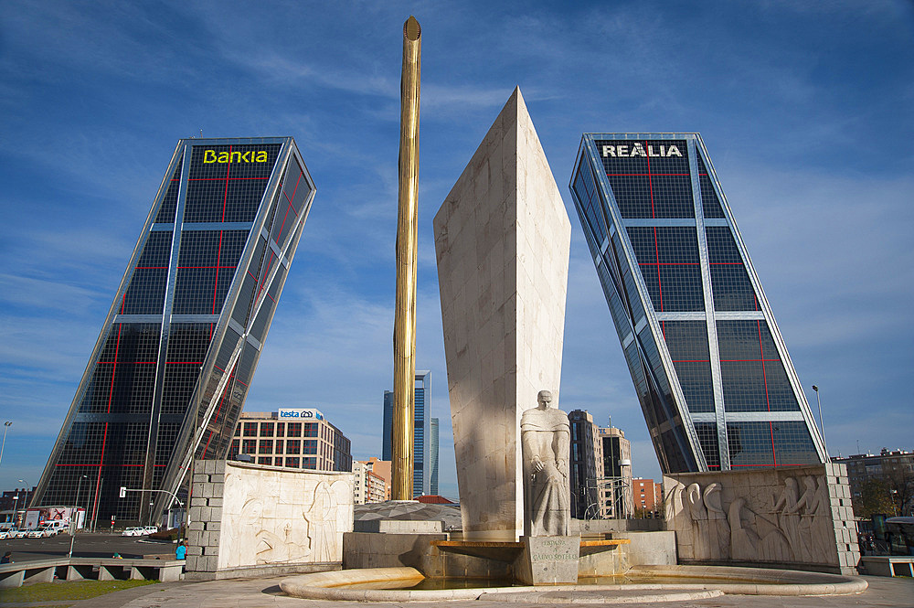 Kio Towers, Office Towers, Bank Bankia and Realia, Gate of Europe, Plaza de Castilla, Madrid, Spain