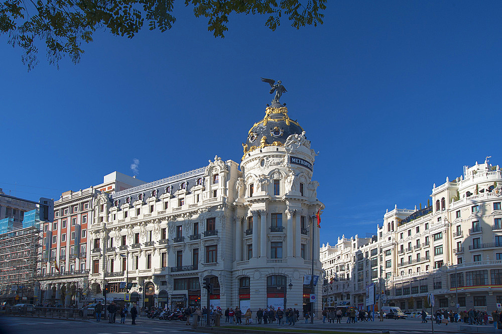 (Edificio Metropolis) Metropolis Building, Calle Gran Via, Calle Alcalà, Madrid, Spain, Europe