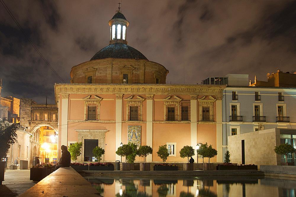 Passaje de Emili Aparicio Olmos, Basilica de la Mare de Deu, Plaza de Almojna, Valencia, Spain, Europe