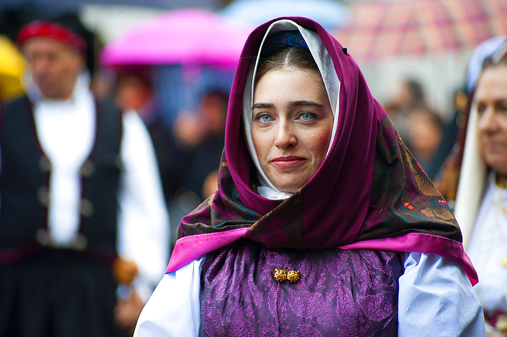 Typical dress of Serrenti, Procession of Santa Vitalia, Serrenti, Sardinia, Italy, Europe