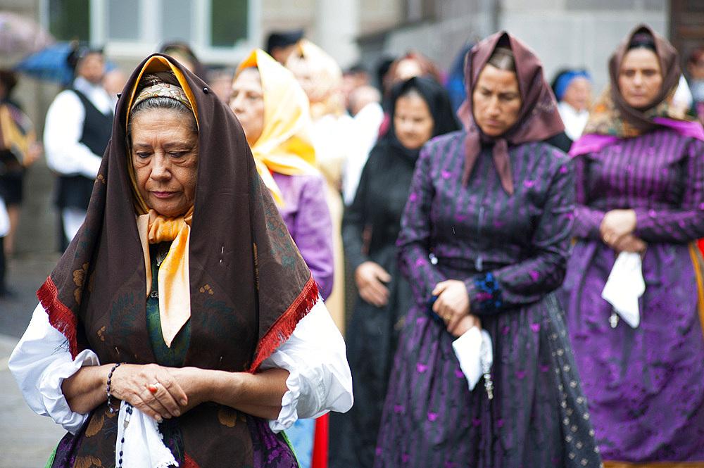 Typical dress, Procession of Santa Vitalia, Serrenti, Sardinia, Italy, Europe